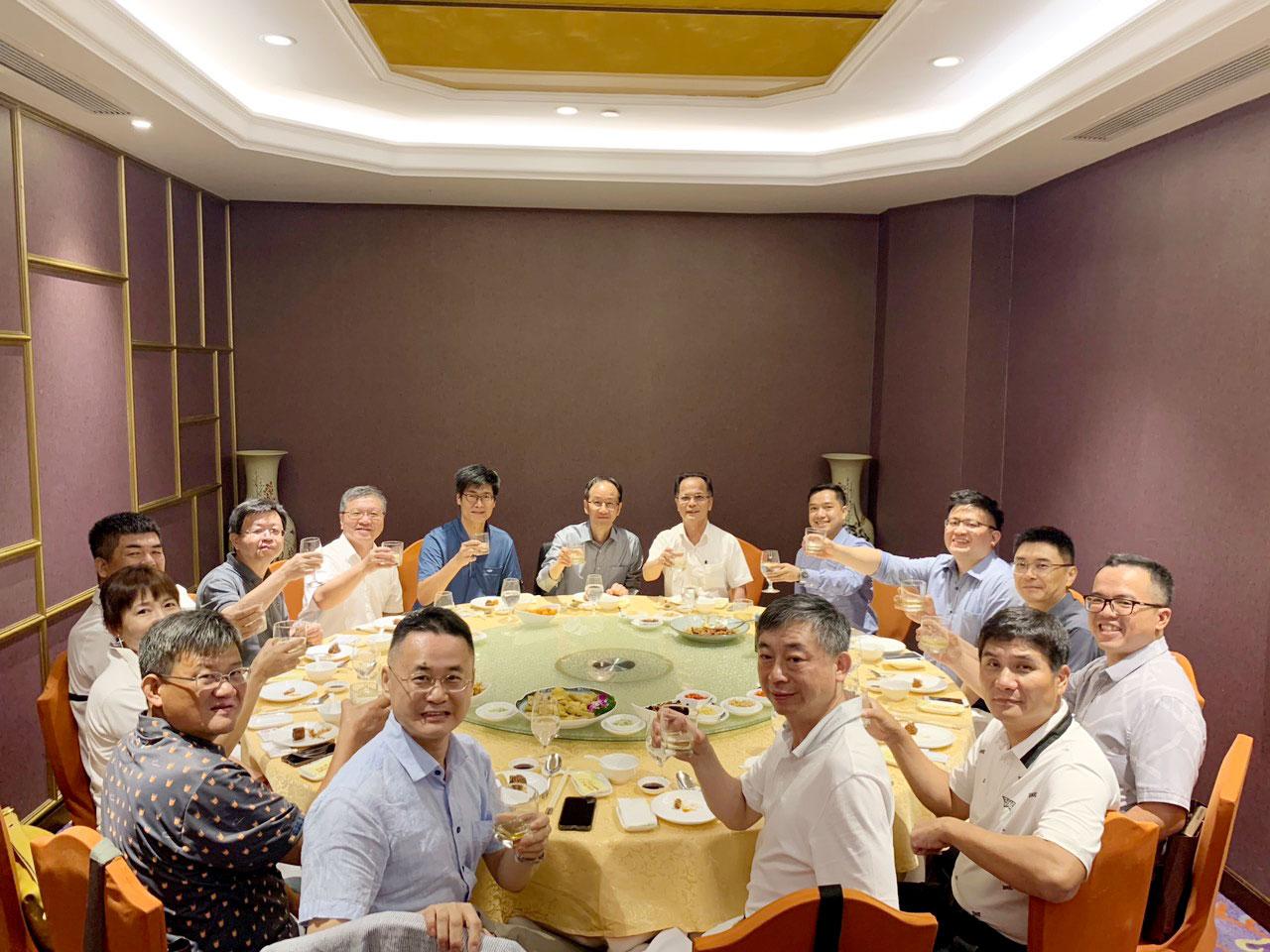 doanh-nghiệp-đài-loan-và-cố-vấn-giáo-dục-oha-taiwan