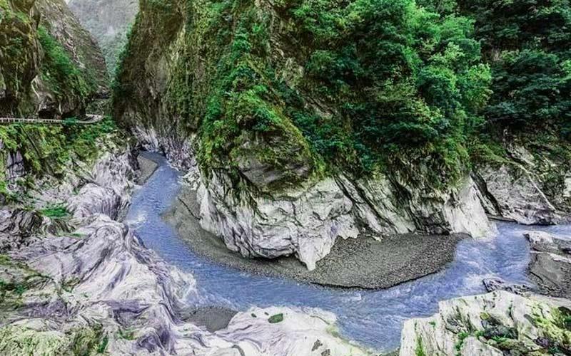 Du lịch Đài Loan nên đi đâu để thưởng thức được cảnh núi non sông nước? Nhanh chân đến ngay công viên quốc gia Taroko