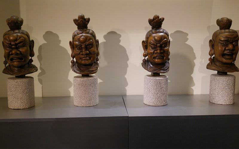 Viện Nghiên cứu và phát triển thủ công quốc gia ở miền Trung Đài Loan là nơi trưng bày nhiều hiện vật phong phú, từ những tác phẩm tre, gốm sứ cho đến những bức tượng tinh xảo được đúc bằng đồng