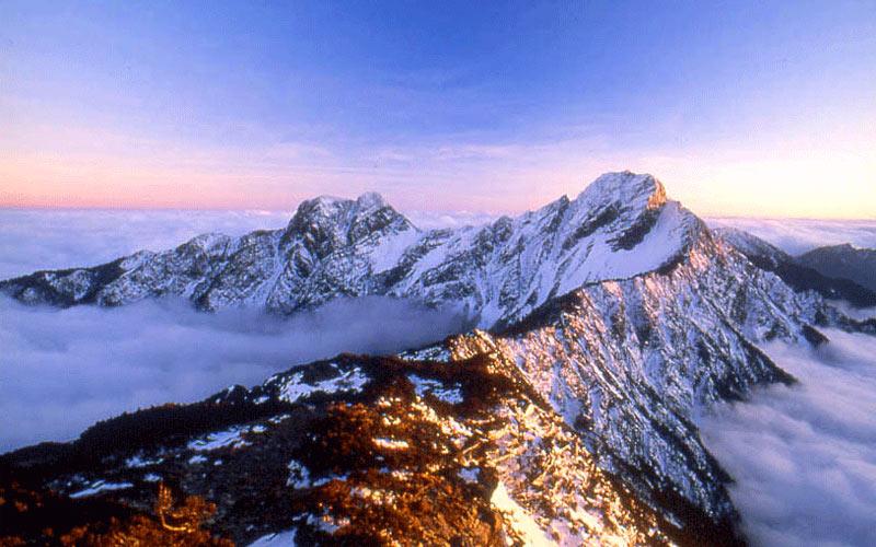 Khi du lịch công viên quốc gia Ngọc Sơn, bạn sẽ có cơ hội khám phá một địa điểm mà thiên nhiên hoang dã và kỳ vĩ bậc nhất miền Trung Đài Loan