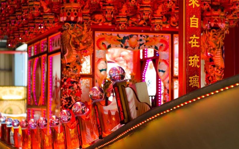 Nhắc đến thị trấn Lộc Cảng có lẽ người ta sẽ nhắc đến 2 ngôi chùa cổ Long Sơn vàNhắc đến thị trấn Lộc Cảng có lẽ người ta sẽ nhắc đến 2 ngôi chùa cổ Long Sơn và Thiên Hậu - là điểm đến linh thiêng, hấp dẫn du khách khi du lịch miền Trung Đài Loan Thiên Hậu. Là điểm đến linh thiêng, hấp dẫn du khách khi du lịch miền Trung Đài Loan