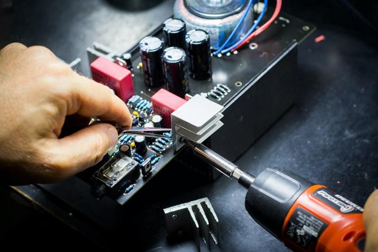 Du học Đài Loan hệ Đại học ngành Điện tử